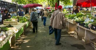 Farmer's market for a circular economy